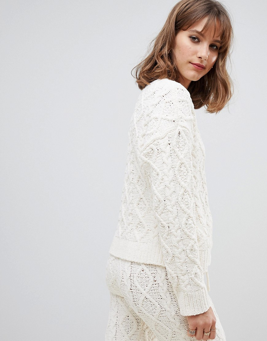 Kremowy-Sweter-oversize-dzianinowy-kablowy-L-40