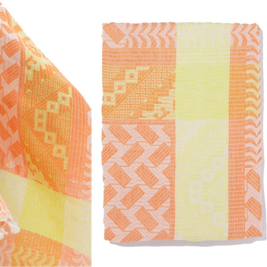 Z1-Zolto-pomaranczowa-apaszka--szal